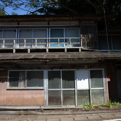 abandoned home in japan