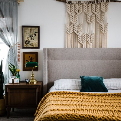 6 Vintage Bedroom Ideas That Will Transport You Back in Time