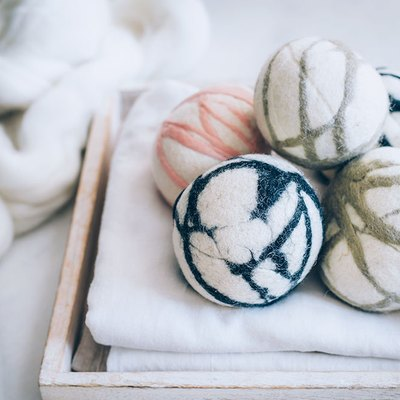 Reduce Laundry Time With These DIY Felted Wool Dryer Balls