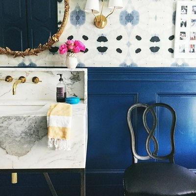 Prepare to Fall in Love With This Beautifully Bold Bathroom
