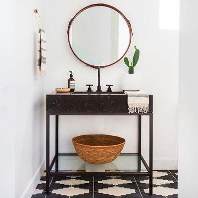 An Unconventional Sink Creates an Unforgettable Bathroom