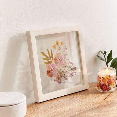 Trend Alert: Framed Pressed-Plants Are Having a Moment