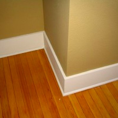How Much Do New Baseboard Moldings Cost?