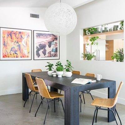 Organic Materials Create an Unforgettable Modern Dining Room