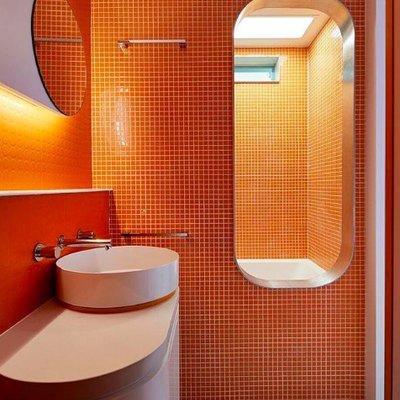 Orange Bathrooms Can Be Beautiful, and Here's Proof