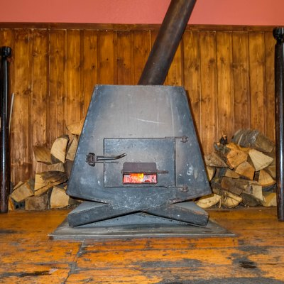 How to Use a Cast Iron Pot Belly Stove
