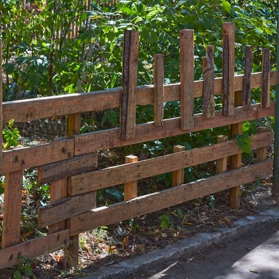 How to Install Fence Stringers