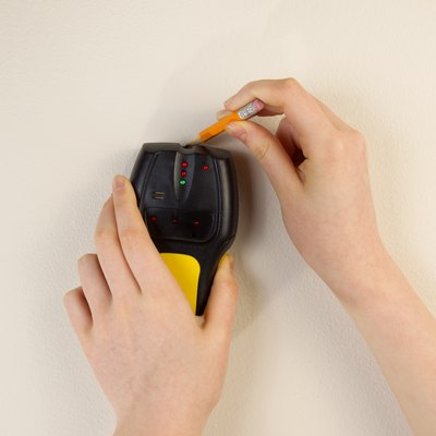 How Does a Stud Finder Work