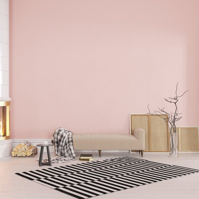 What Colors Go With Light Pink?