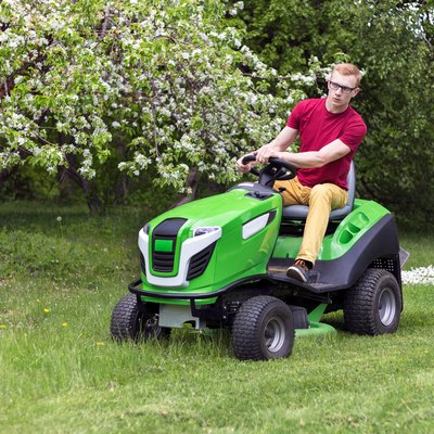 How to Adjust the Brakes on a Lawn Tractor