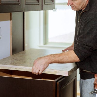How to Cut Laminate Countertops
