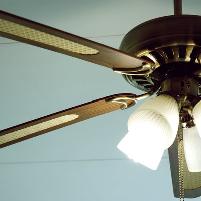 How to Install a Harbor Breeze Ceiling Fan Remote Control