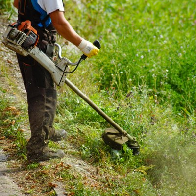 Gas-to-Oil Ratio for a Weed Trimmer