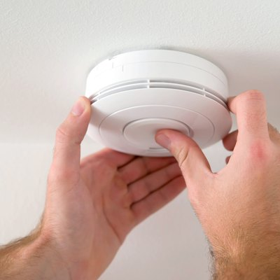 What Is the Difference Between Single Station & Double Station Smoke Detectors?