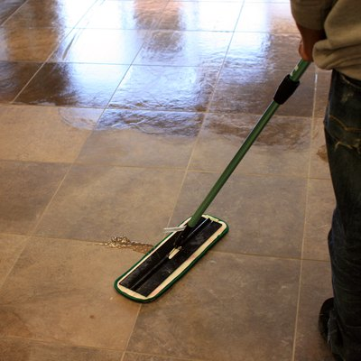How to Use a Swiffer WetJet