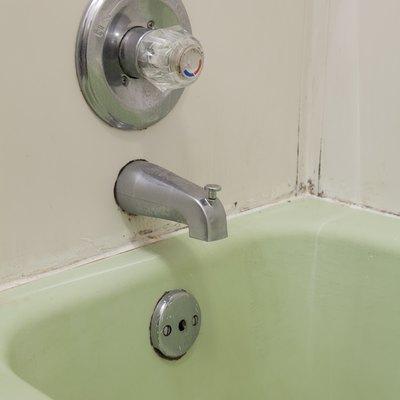 Refinishing a Bathtub or Shower