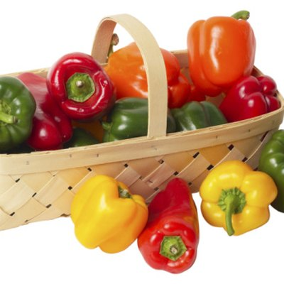 How Can You Tell the Difference Between Bell Peppers & Sweet Peppers?