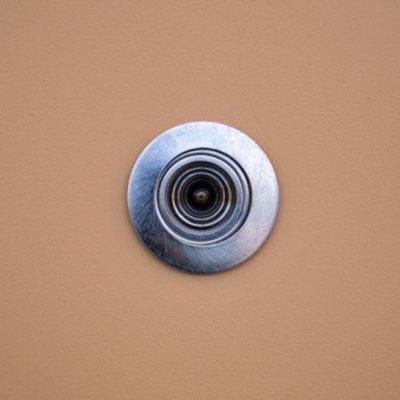 How to Make a Reverse Peephole