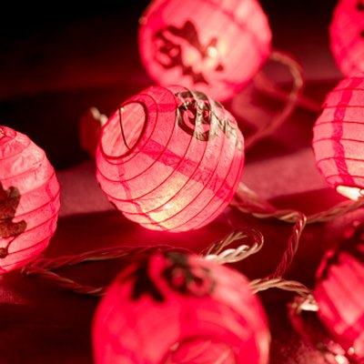 What Kind of Paper Do You Use to Make a Paper Lantern?