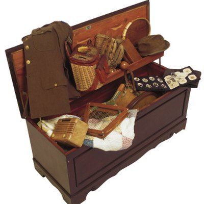 Can Pictures Be Stored in a Cedar Chest?
