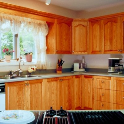 Colors to Complement Honey Oak Cabinets
