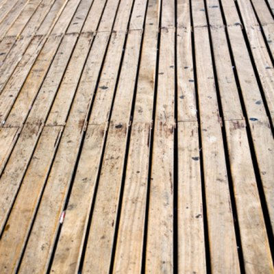 How to Strip a Wood Deck