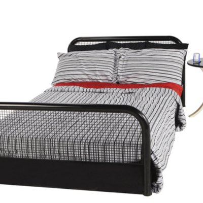 Can You Use a Bedspread With a Footboard?