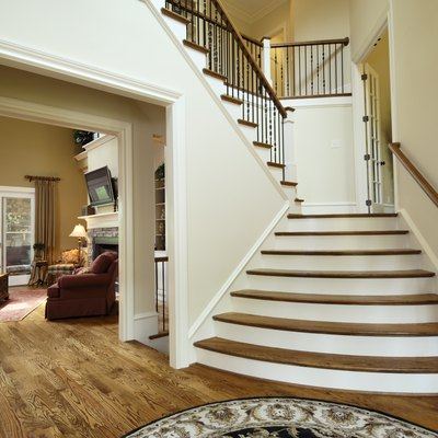 What Is the Difference Between a Stair Tread & a Stair Riser?