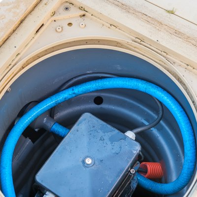 What Causes My Swimming Pool Pump to Turn off?