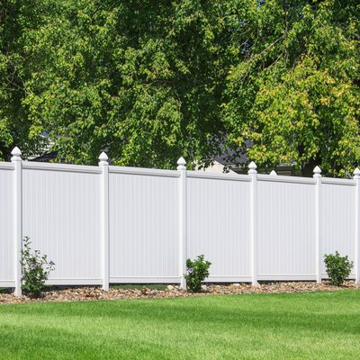 How to Install a Fence on Unlevel Ground
