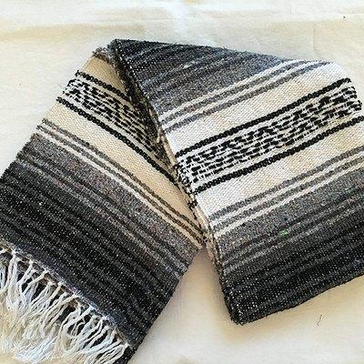 Meximart Falsa Blanket
