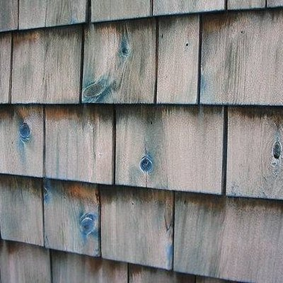 How to Remove Paint From Cedar Shingles