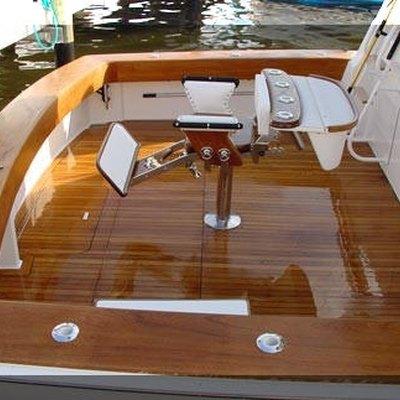 How to Refinish Boat Wood Teak