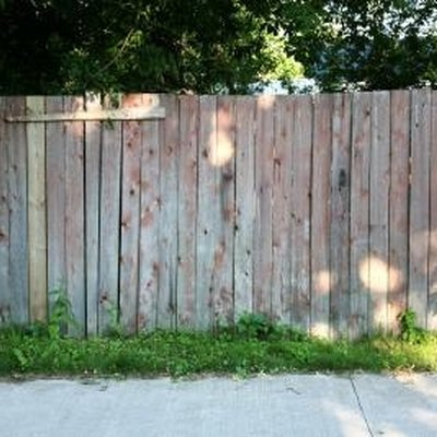 How to Determine the Depreciation of a Fence