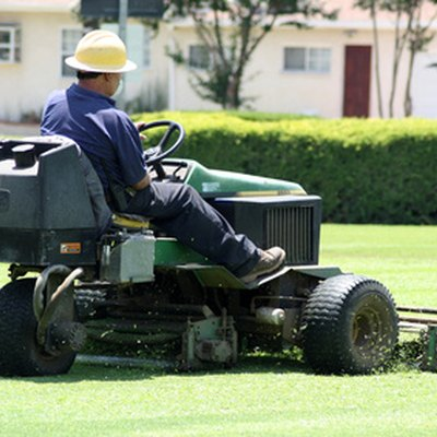 Reasons a Riding Lawn Mower Won't Go Forward or Reverse