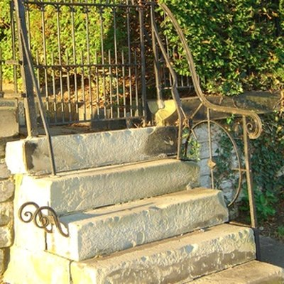 The Disadvantages of Precast Concrete Stairs