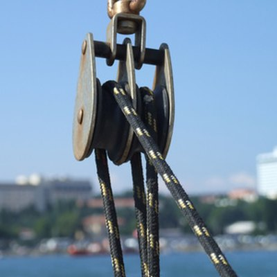 How to Use Pulleys for Lifting Heavy