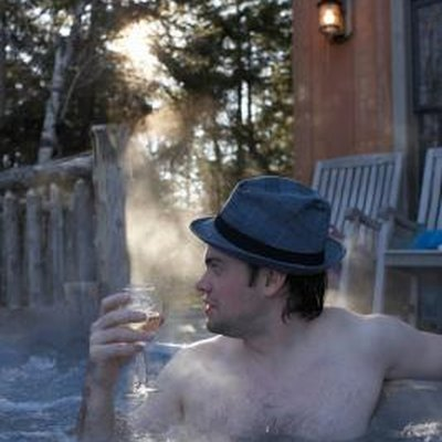 How to Lower the Alkalinity Levels in a Hot Tub
