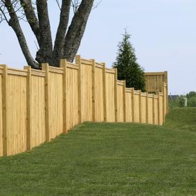 Free-Standing Patio Fence Ideas