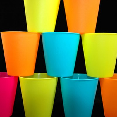 How to Customize Plastic Cups