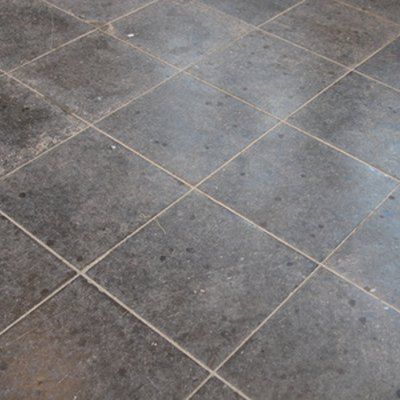 How to Find the Center of the Floor to Lay Tile