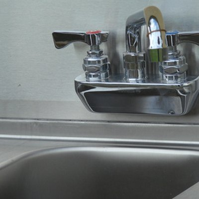 How to Troubleshoot an Insinkerator Garbage Disposal
