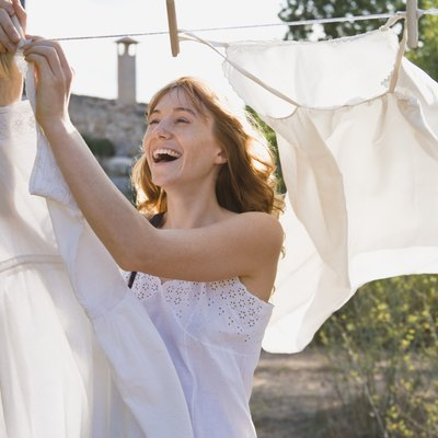 How to Neutralize Bleach on Clothes