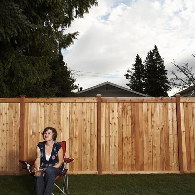 Cheapest Ways to Fence Your Yard
