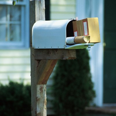What Kind of Paint for a Mailbox Pole?