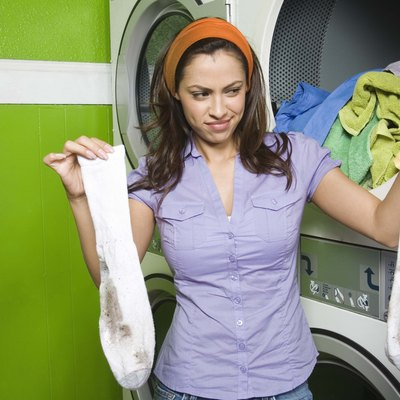 How to Add Trisodium Phosphate to Laundry Detergent