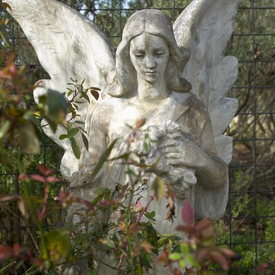 How to Repair a Concrete Statue That Is Starting to Decay