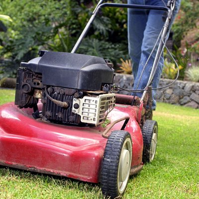 How to Fix a Lawnmower With Low Compression