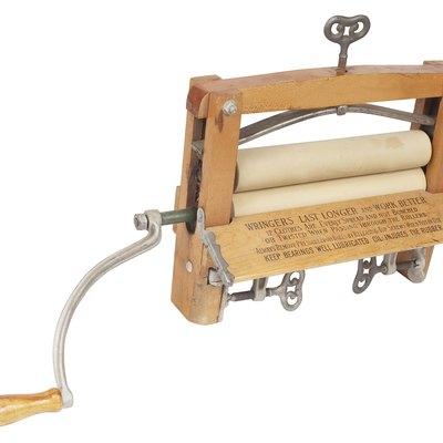 Hand Wringer Vs. Spin Dryer