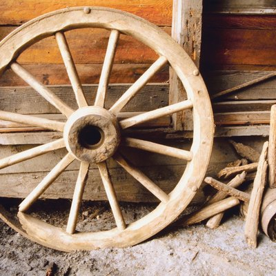 How to Build a Wagon Chandelier